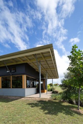 Burnett Youth Learning Centre <br/> Medek Architecture
