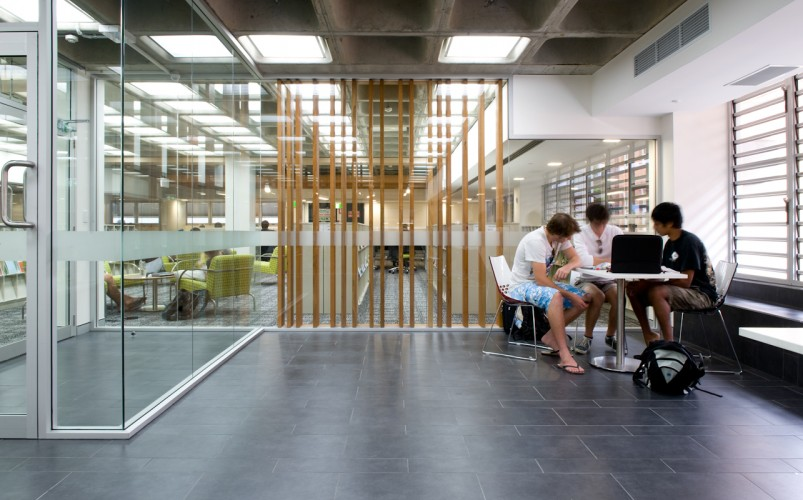 QUT Library - Gardens Point; Brisbane QLD <br ⁄> Peddle Thorp Architects and James Cubitt Architects