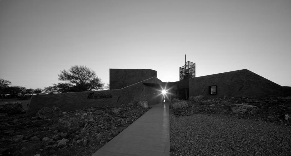 Australian Age of Dinosaurs Museum, Winton QLD -  Cox Rayner Architects