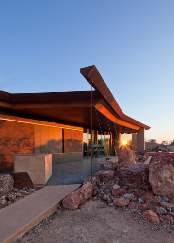 Australian Age of Dinosaurs Museum - Winton, QLD <br ⁄> Cox Rayner Architects