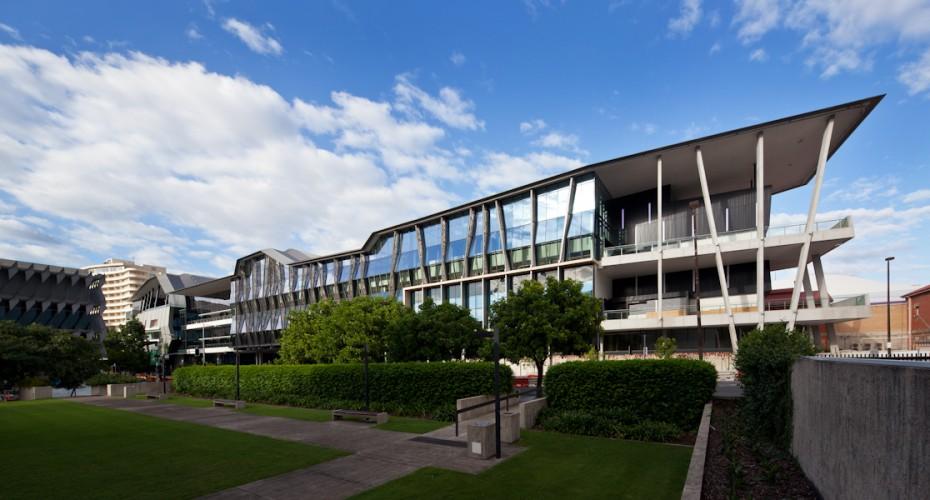 Brisbane Convention & Exhibition Centre (BCEC) - Brisbane; Australia <br ⁄> Cox Rayner Architects